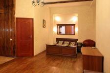 kostiolna-9-kiev-apartment-sleeping-area.jpg